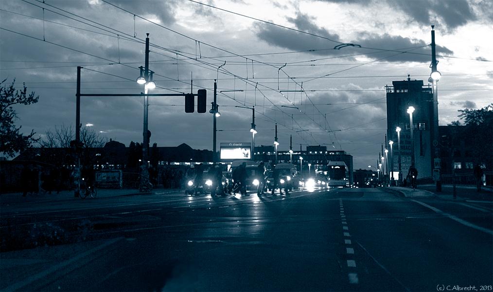 aufziehendes Sturmtief über der Warschauer Straße