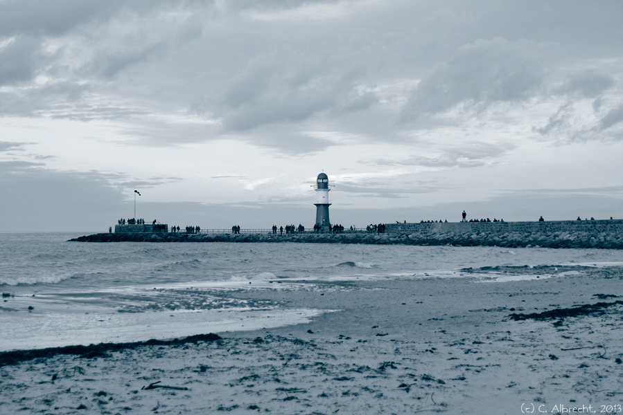 Blick vom Strand auf die Hafeneinfahrt