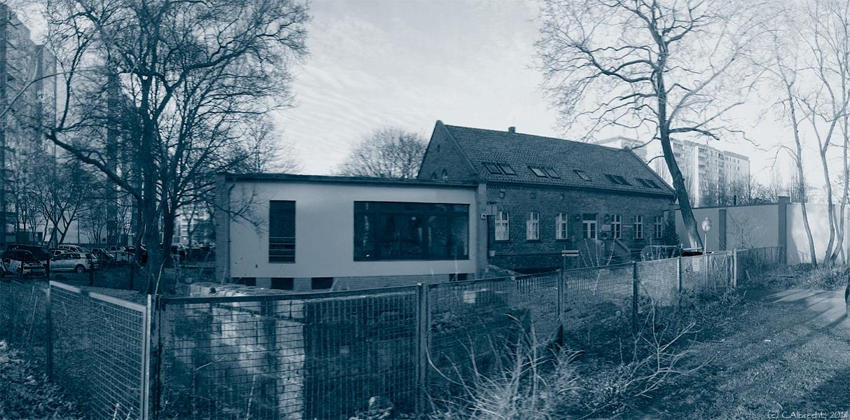 """Pfarrhaus der ehem. """"Dorfkirche Friedrichsfelde"""" (Berlin) - Das Pfarrhaus zwischen """"(Pfarrer-)Wohnstätte"""" und ergänzendem gemeindlichen Funktions- und Nutzungsraum"""